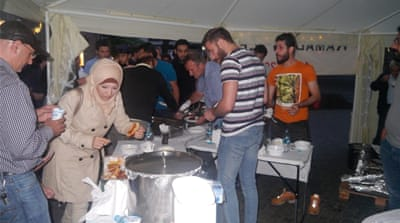 Muslims serve food and friendship in Ramadan to beat far right