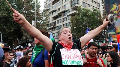 Chile protests: More than one million bring Santiago to a halt
