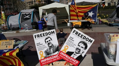 Lawyers of Catalan separatists accuse police of 'humiliation'
