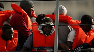 Hundreds of migrants and refugees rescued off Malta, Italy