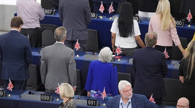 Anti-Europe MEPs turn backs on Europe anthem at opening session