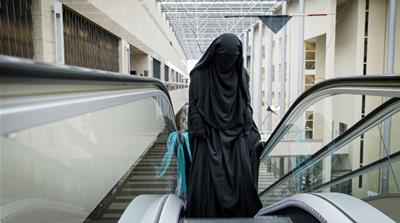 Dutch ban on burqas and niqabs takes effect