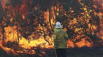 Bushfires continue to burn across east Australia
