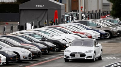 US investigates 63,000 Tesla cars over touchscreen failures