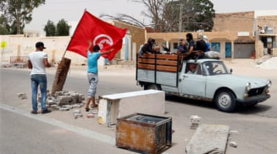 Tunisia protesters shut down main oil production site in south