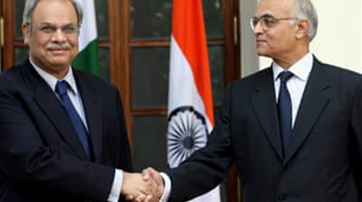 India and Pakistan begin talks