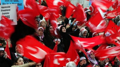 Turks protest ahead of pope's visit