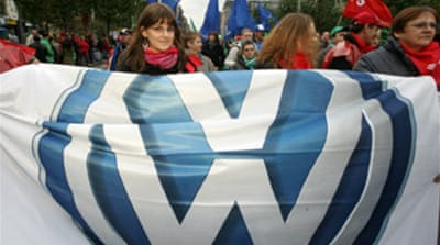Car workers protest at VW job cuts