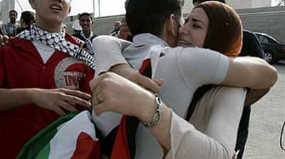 Freed Palestinians reach West Bank