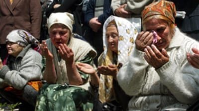 Returning Tatars face Crimean woes