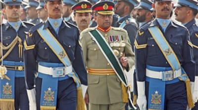 Musharraf bids farewell to army