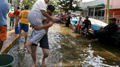 Residents flee Mexico flood chaos