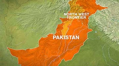 Bomber strikes Pakistan army post