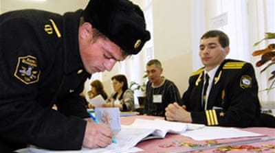 Russians start voting in election