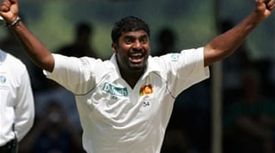 Murali claims world record