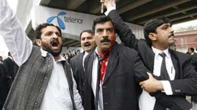 Pakistani lawyers boycott courts