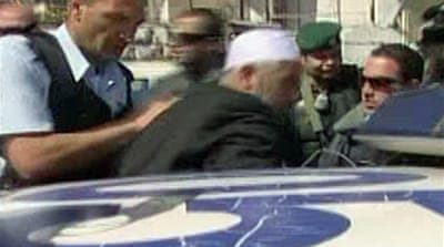 Israel arrests sheikh at al-Aqsa