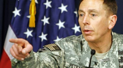 Petraeus: Force will not solve Iraq