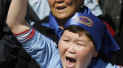 Protesters heckle Kyrgyzstan PM