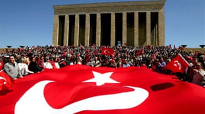 Turks hold pro-secular protest