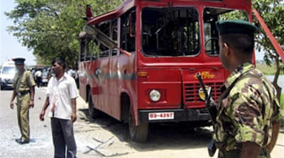 Bomb hits Sri Lanka bus