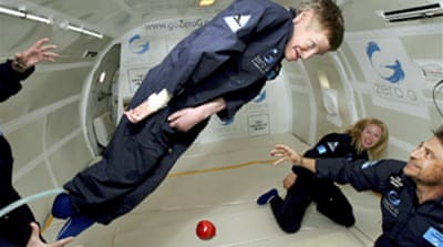 Hawking makes zero gravity flight