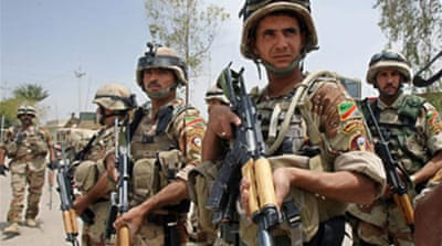 Iraqi group kills captive policemen