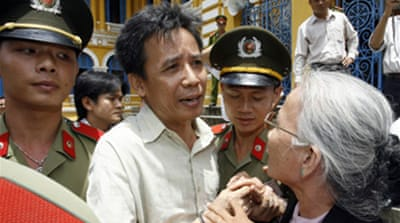 Vietnam jails democracy activists