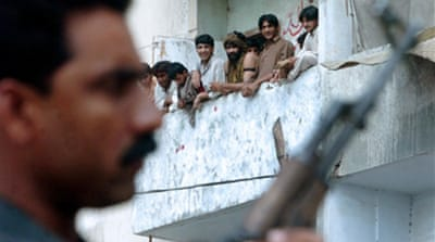 Pakistan army told 'shoot rioters'