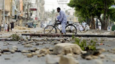 Pakistan cracks down on riot threat