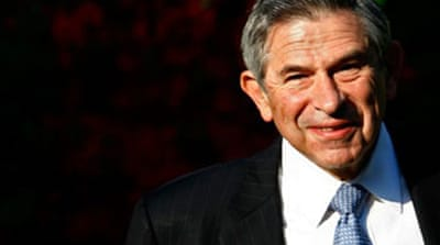 Wolfowitz pleads to keep job