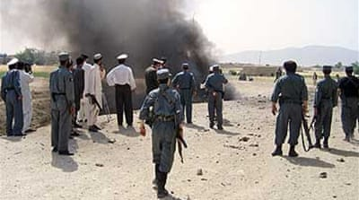 Blast wounds Afghan minister