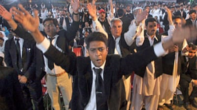 Rally urges Musharraf to go
