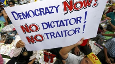 Thai cabinet lifts politics ban