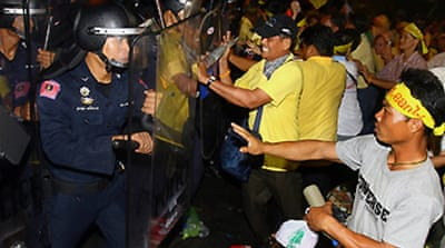 Violence at Thai anti-coup protest