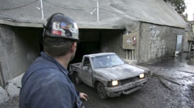 'No sound' from trapped US miners