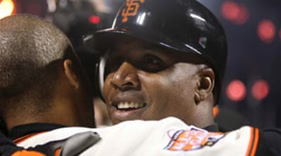 Bonds becomes new home run king