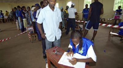 Close fight in Sierra Leone poll