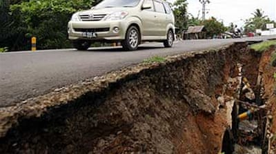 Indonesia jolted by aftershocks