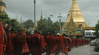 Monks continue Myanmar protests