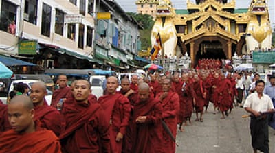 Monks lead huge protest in Yangon