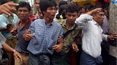 Myanmar monks release hostages