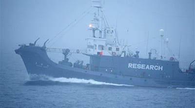 Greenpeace sees off Japan whalers