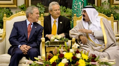Bush takes arms deal to Saudis