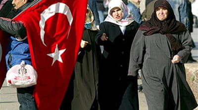 Turkey reviews headscarf ban