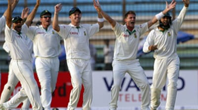 S Africa continue to dominate Test
