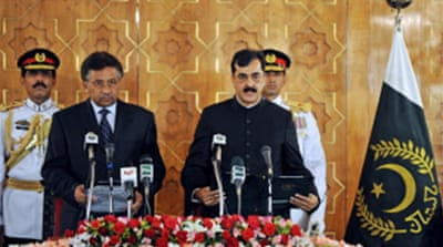 Pakistan PM sworn in by Musharraf