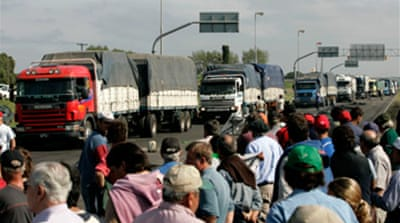 Argentina farmers suspend strike