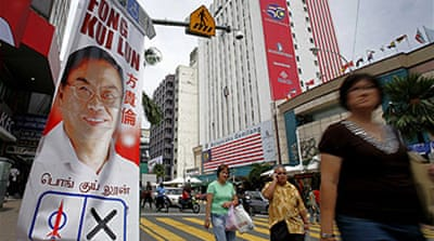Malaysia poll battle goes online