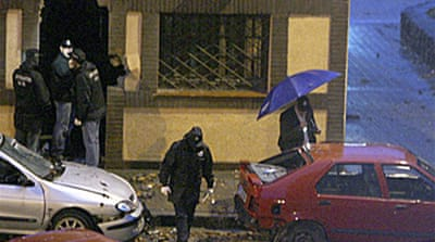 Suspects held over Spain bomb